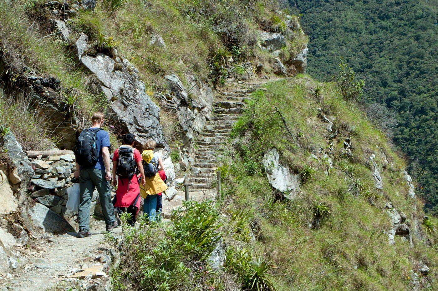 Who can climb the Huayna Picchu?